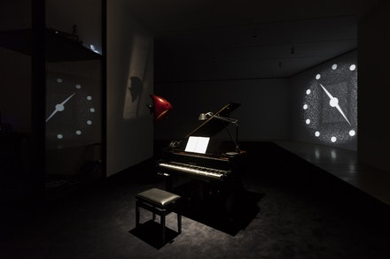 Exhibition view of <em>Philippe Parreno: La levadura y el anfitrión</em>, Museo Jumex, Mexico City, 2017. ©Philippe Parreno. Photo by Andrea Rossetti.