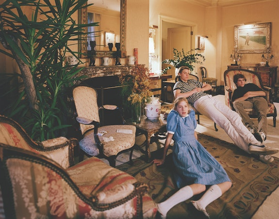 Tina Barney, <em>Diane, Mark and Tim</em>, 1982. Chromogenic color print. 48 x 60 inches. Edition of 10. © Tina Barney. Courtesy Paul Kasmin Gallery.