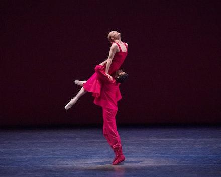 <p>Sara Mearns and Amar Ramasar in Alexei Ratmansky's <em>Russian Seasons. </em>Photo:Paul Kolnik</p>