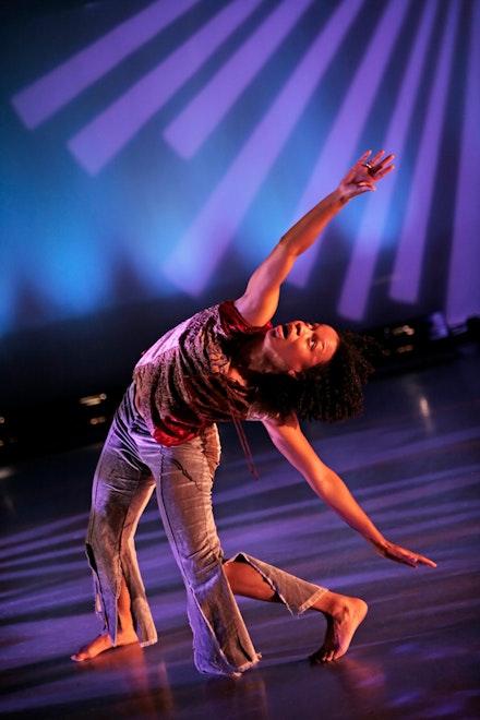 Gesel Mason performing Jawole Willa Jo Zollar's<em> Bent</em> Credit: Amitava Sarkar