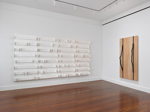 <p>Kishio Suga, installation view, 2018. © Kishio Suga, Courtesy the artist and Blum & Poe, Los Angeles/New York/Tokyo. Photo: Genevieve Hanson.</p>