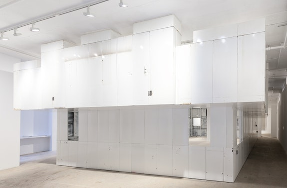 Gedi Sibony, <em>The King And The Corpse</em>, 2018. Porcelain enameled steel panels, steel, bolts, screws, wood, c-clamps, dimensions variable. Courtesy the artist and Greene Naftali, New York.