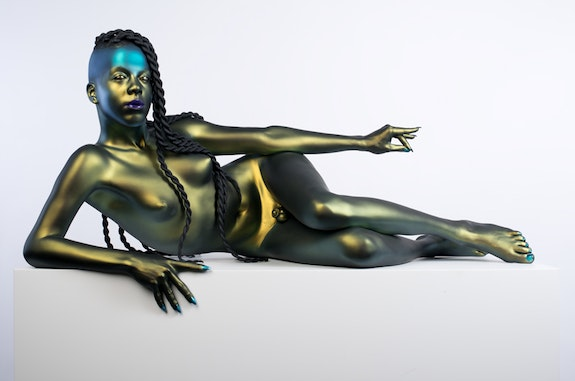 Frank Benson, <em>Juliana</em>, 2014–15. Painted bronze with Corian pedestal, 23 x 48 x 22 inches. Koons Collection, New York. © Frank Benson