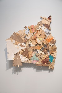 Helen O'Leary, <em>Home is a Foreign Country #9</em>, 2018. Polymer, Pigment, Chalk and Constructed Wood, 27 x 25 x 5/ inches. Courtesy the artist and Lesley Heller Gallery, New York. Photo: Eva O<strong>'</strong>Leary.