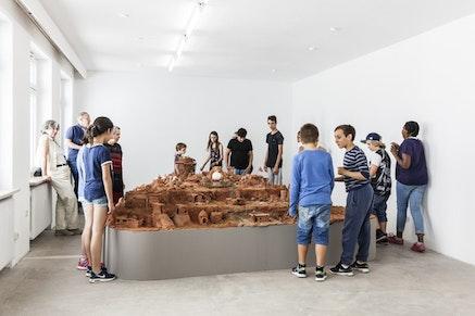 <p>Installation with artists, Kunstraum, Munich, 2017. Photo: Max Geuter.</p>