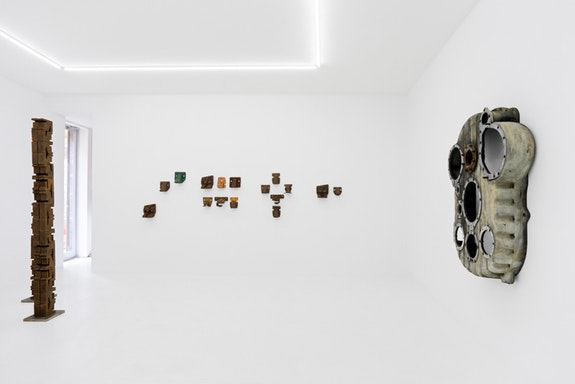 Installation view, Marianne Vitale:<em> On the One</em>, Invisible Exports, 2018.