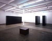 Tony Smith installation. ©Tony Smith Estate and ARS (Artists Rights Society), NY. Courtesy Matthew Marks Gallery, NY.