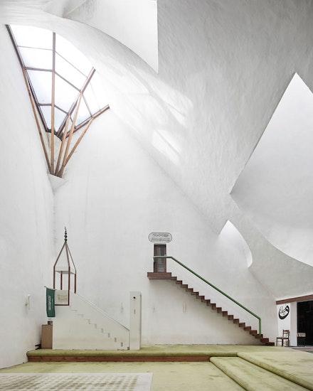 Zlatko Ugljen, <em>Šerefudin White Mosque</em>, 1969–79. Visoko, Bosnia and Herzegovina. Interior view. Photo: Valentin Jeck, commissioned by The Museum of Modern Art, 2016.