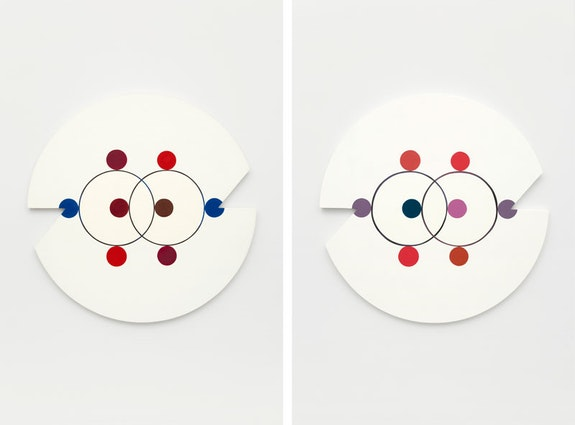 Marilyn Lerner. Left: <em>Eight Circles</em>, 1989. Oil on wood, 36 inches diameter. Right:<em>Walking Backward Running Forward</em>, 2018. Oil on wood, 36 inches diameter. Courtesy the artist and Kate Werble Gallery, New York, NY. Photo: Gregory Carideo.