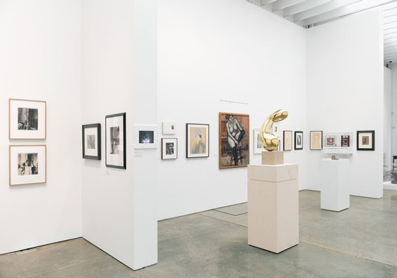 Installation view: <em>Brancusi & Duchamp: the Art of Dialogue</em>, Paul Kasmin, New York, 2018. Courtesy Paul Kasmin, New York.