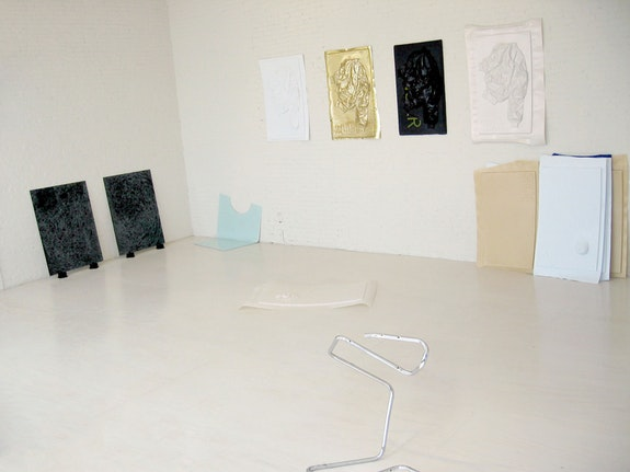 <p>Installation view of <em>Greater New York</em> 2005 at MoMA PS1. Courtesy of the artist.</p>