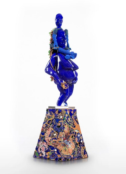 Joyce J. Scott, <em>Aloft</em>, 2016-2017. Hand-blown Murano glass processes with beads and thread, 37 x 10 x 10 inches. Courtesy Goya Contemporary Gallery, Baltimore. © Joyce J. Scott and Goya Contemporary Gallery.