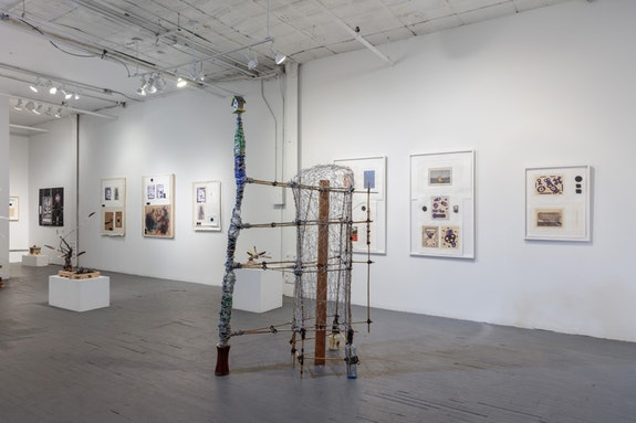 Arthur Simms, <em>The Big Picture, One Halo, Sculptures and Drawings</em>, installation view, Slag Gallery, 2018. Courtesy the artist and Slag Gallery. Photo: JSP Art Photography.