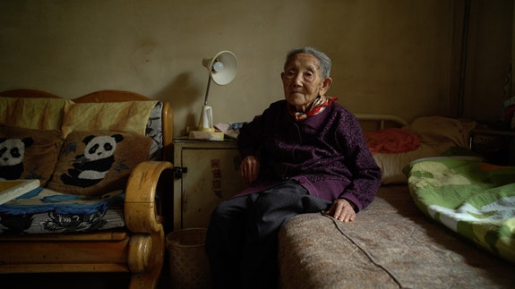 Gao Guifang in a scene from Wang Bing's Dead Souls. Courtesy Grasshopper Film and Icarus Films.