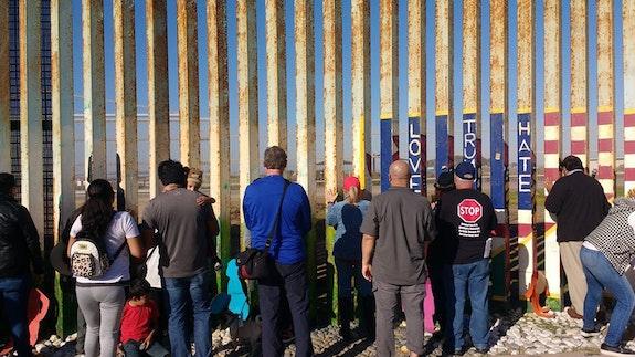 At the Border. Photo: Daniel Watman.