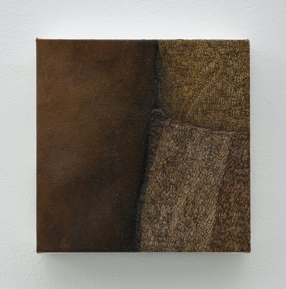 Ellen Altfest, <em>Three Parts</em>, 2014–2015. Oil on canvas, 7 3/16 × 7 1/16 inches. Courtesy White Cube, London. © Ellen Altfest. Photo © White Cube (Kitmin Lee).