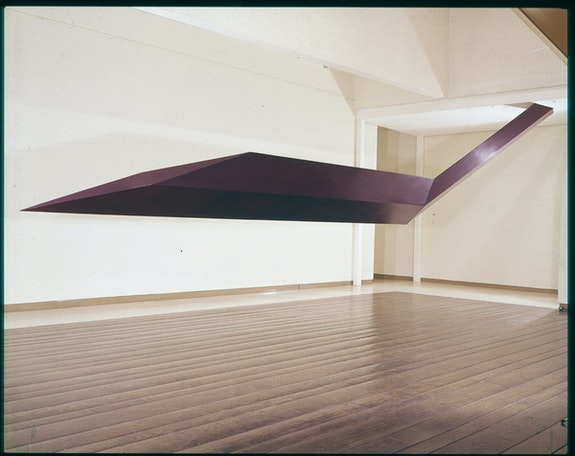 Robert Grosvenor, <em>Tenerife</em>, 1966. Fiberglass, steel, plywood, 72 x 144 x 36 inches. © Robert Grosvenor. Courtesy Paula Cooper Gallery, New York.