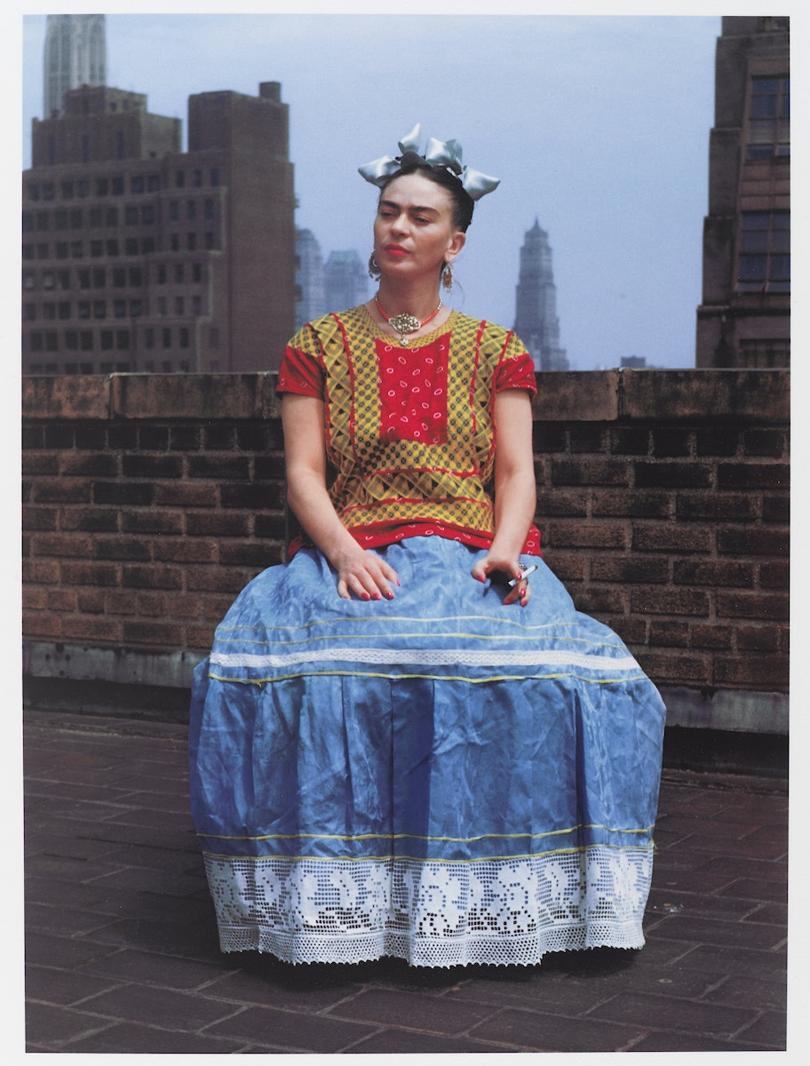 <p>Nickolas Muray,<em> Frida in New York</em>, 1946 (printed 2006). Carbon pigment print, 14 x 11 inches. © Nickolas Muray Photo Archives. Photo: Brooklyn Museum.</p>