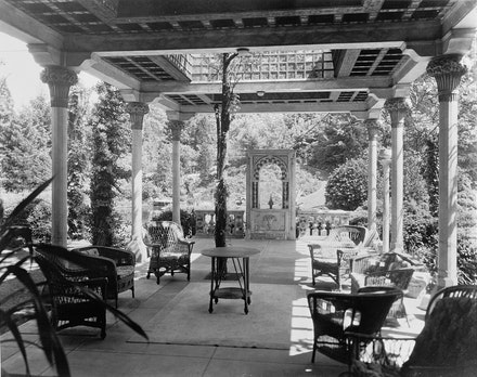 Laurelton Hall, Laurel Hollow & Ridge Roads, Oyster Bay, Nassau County, NY. Photo: David Aronow, c. 1924. Library of Congress, Prints & Photographs Division, HABS NY-5663.