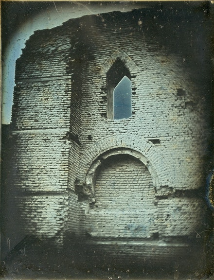 Joseph-Philibert Girault de Prangey, <em>Exterior Arch, Mosque of 'Amr ibn al-'As, Cairo</em>, 1842-43. Daguerreotype, 4 3/4 x 3 3/4 inches. Bibliothèque nationale de France