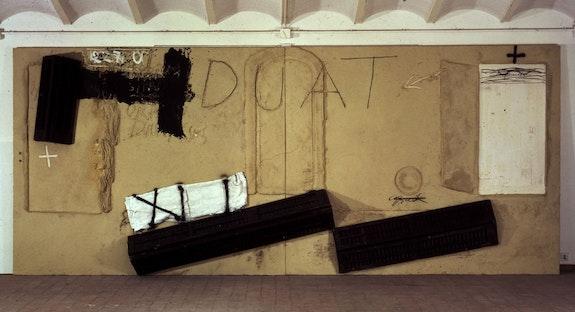 Antoni Tàpies, <em>Duat</em>, 1994. 98 1/2 x 236 1/4 inches. © Antoni Tàpies. Courtesy Waddington Custot.