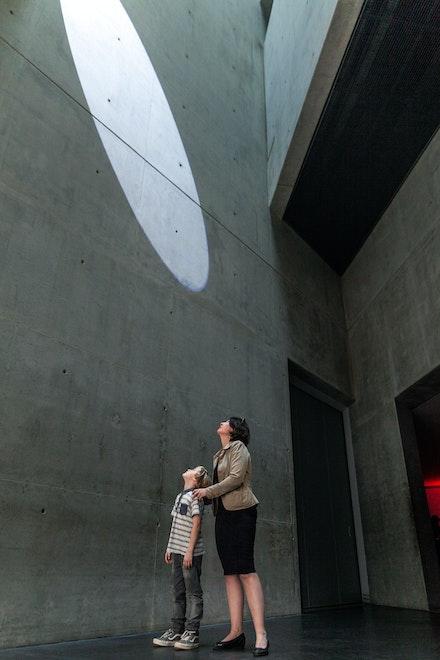 Installation view: Mischa Kuball, <i>res.o.nant,</i> Jewish Museum Berlin, 2017-2019. Photo: Alexander Basile, Cologne. © Archive Mischa Kuball, Düsseldorf / VG Bild-Kunst Bonn, 2019.