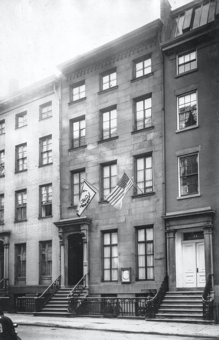 16 E 10th Street, the stately brownstone purchased by the Pen and Brush Club in 1923, which served as its headquarters for over 90 years. Photograph taken by member Jessie Tarbox Beals, one of the first professional female photojournalists in the United States. Courtesy Pen + Brush.