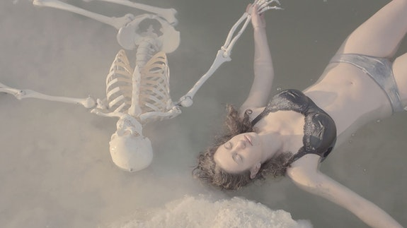 Tamar Hirschfeld, <em>Sheldon the Humanist Skeleton</em>, 2016. Courtesy the artist and Tel Aviv Museum of Art.