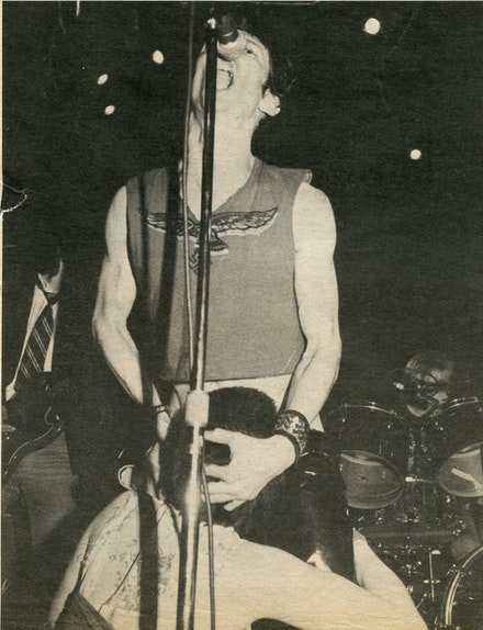 Jenny Lens, <em>Dead Boys' Stiv Bators getting head from Trixie</em>, LA debut, Starwood, November 13, 1977.