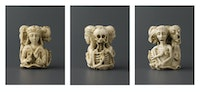 From left to right: <em>Fig. 1: Memento mori pendant (first view)<em>, <em>Fig. 2: Memento mori pendant (second view)</em>, <em>Fig. 3: Memento mori pendant (third view)</em>, ivory, Northern France or Southern Netherlands, c. 1520-30 (London, Victoria and Albert Museum, 2149-1855) © Victoria and Albert Museum.</em></em>