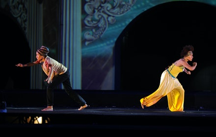 Oxana Chi with Layla Zami in <em>Neferet iti</em> at SIPA Festival, Surakarta, 2015. Photo: Bambang Pudya