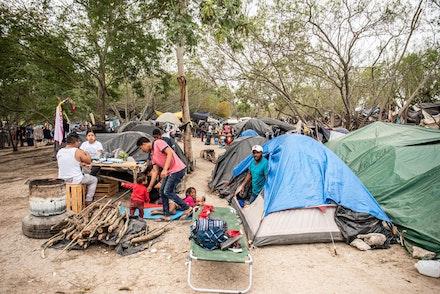 Matamoros encampment of asylum seekers. Photo: Allan Mestel.