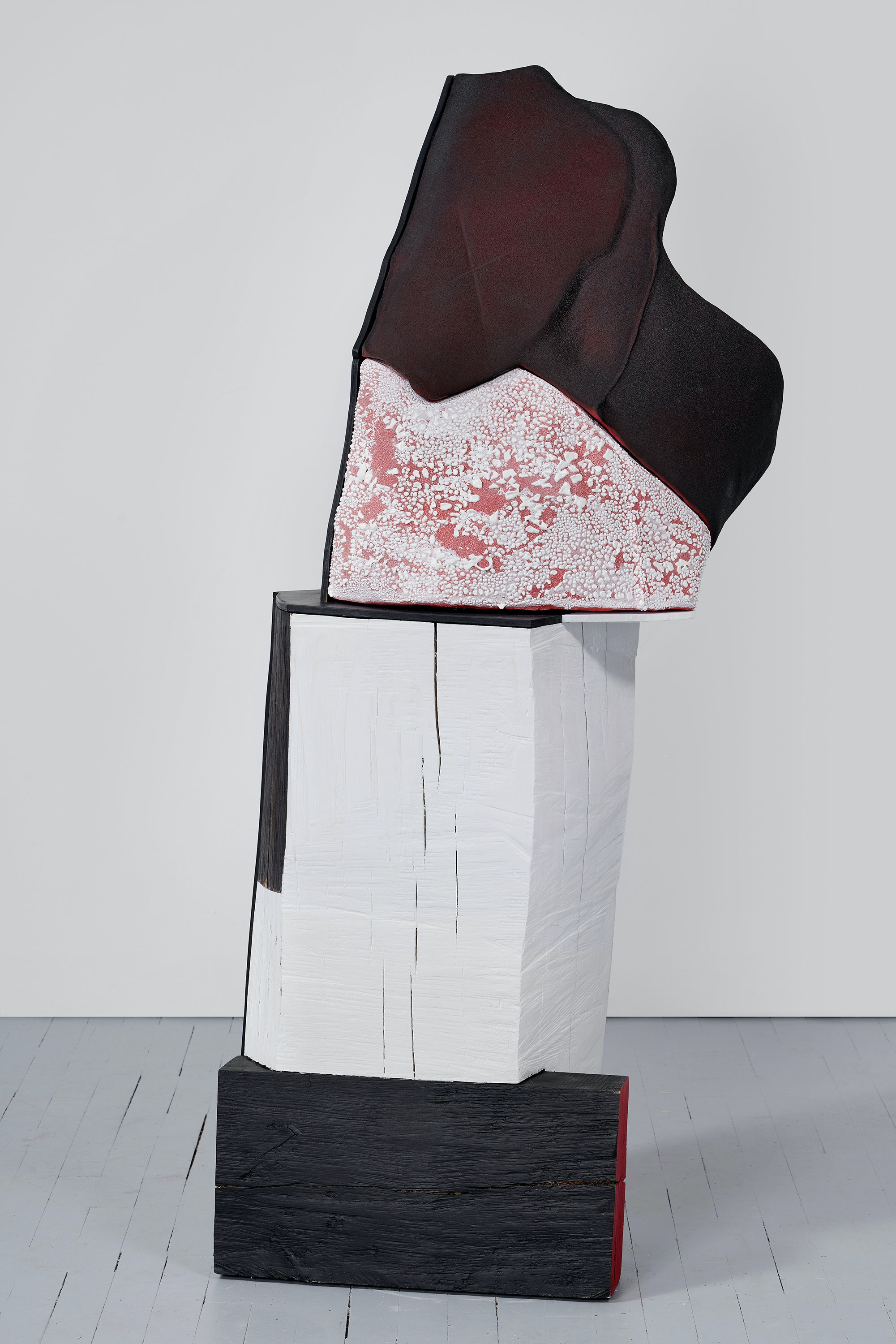 Arlene Shechet, <em>In My View</em>, 2020. Glazed ceramic, painted hardwood, painted plywood, 58 x 26 x 20 inches. © Arlene Shechet, courtesy Pace Gallery Photography by Phoebe d'Heurle.