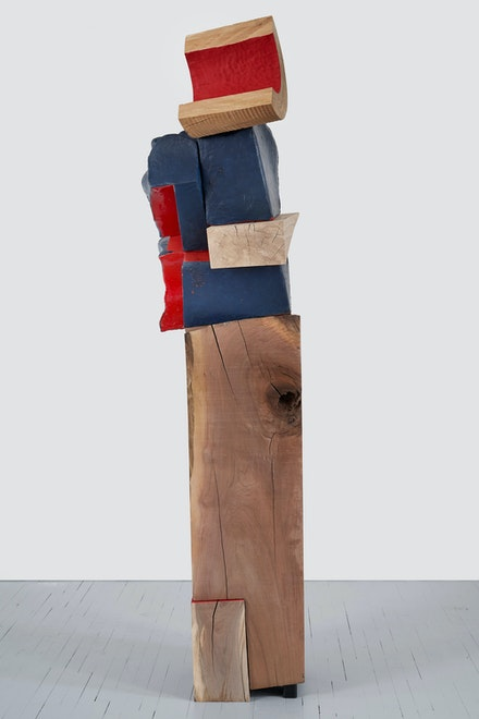 Arlene Shechet, <em>The Crown Jewel</em>, 2020. Glazed ceramic, painted hardwood, cast bronze95 x 25 x 20 inches. © Arlene Shechet, courtesy Pace Gallery Photography by Phoebe d'Heurle.