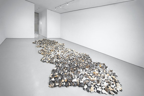 Installation view: <em>Richard Long: MUDDY HEAVEN</em>, Sperone Westwater, New York, 2020. Courtesy Sperone Westwater, New York. Photo: Robert Vinas, Jr.