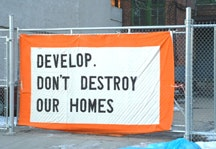 The Develop Don't Destroy banner at 475 Dean Street. All photos by Brian Carreira.
