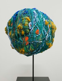 Sheila Hicks, <em>Off the Wall</em>, 2020. Linen, acrylic, 13 inches diameter. Courtesy Sikkema Jenkins & Co., New York.