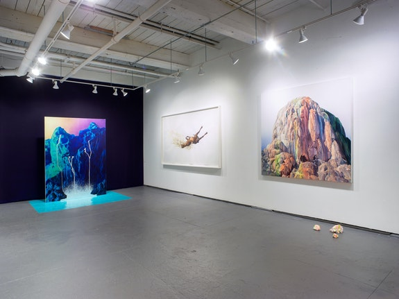Installation view: <em>Theresa Bloise and George Boorujy: Messenger</em>, Ortega y Gasset Projects, New York. Courtesy Ortega y Gasset Projects.