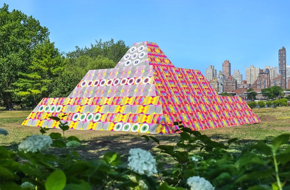 Jeffrey Gibson, <em>Because Once You Enter My House It Becomes Our House</em>, 2020. Courtesy the artist; Socrates Sculpture Park; Sikkema Jenkins & Co., New York; Kavi Gupta, Chicago; Roberts Projects, Los Angeles. Photo: Scott Lynch.