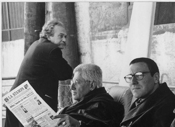 Jannis Kounellis, Germano Celant, Paolo Canevari, Kiev, 1997. Courtesy Paolo Canevari.