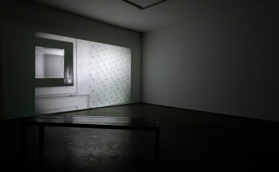 Installation view: <em>Summer McCorkle: des abends</em>, 2020. Installation view. Two-channel HD video, 16mm film and 35 mm black & white slide still film to digital transfer. Running time: 14:07. Courtesy Smack Mellon. Photo: Etienne Frossard.