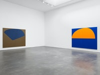Installation view,<em> Suzan Frecon: oil paintings</em>, David Zwirner, New York, 2020. Courtesy David Zwirner.