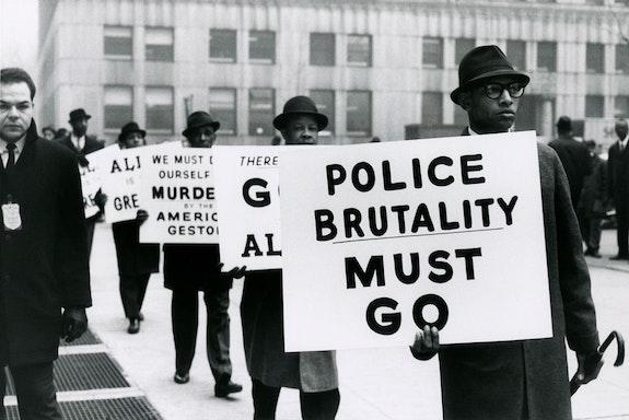 Gordon Parks, <em>Untitled, New York, New York, 1963.</em> Courtesy of and copyright The Gordon Parks Foundation.