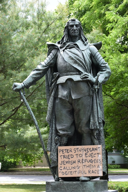 11-foot tall bronze statue of Peter Stuyvesant in Academy Green park. Photograph: Frances Cathryn.