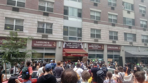 Anti-eviction demonstration, Downtown Brooklyn, August 2020. Photo by the author.