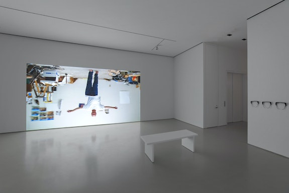 Bruce Nauman, <em>Walking a Line</em>, 2019. 4K 120fps 3D projection (color, stereo sound), continuous play, 3D glasses, duration: 15 minutes 46 seconds. Courtesy Sperone Westwater. Photo: Robert Vinas, Jr.