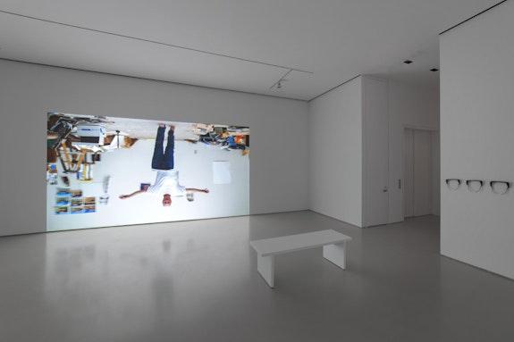 Bruce Nauman, <em>Walking a Line</em>, 2019. 4K 120fps 3D projection (color, stereo sound), continuous play, 3D glasses, duration: 15 minutes 46 seconds. Courtesy Sperone Westwater. Photo: Robert Vinas, Jr.