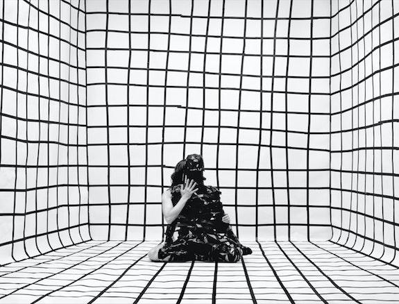 Gina Osterloh, <em>Holding Zero #2</em>, 2020. Courtesy Higher Pictures Generation, New York.