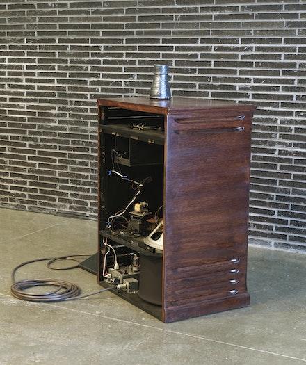 Theaster Gates, <em>Chorus</em>, 2020. 1 Leslie speaker, digital sound file. 41 5/8 x 29 1/4 x 20 5/8 inches. © Theaster Gates. Photo: Robert McKeever. Courtesy Gagosian.