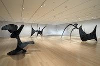 Installation view: <em>Alexander Calder: Modern from the Start</em>, The Museum of Modern Art, New York, 2021. © 2021 The Museum of Modern Art. Photo: Robert Gerhardt.